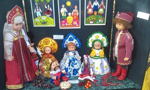 Нажмите на изображение для увеличения Название: Куклы в костюмах народов мира.jpg Просмотров: 97 Размер:101.3 Кб ID:1369