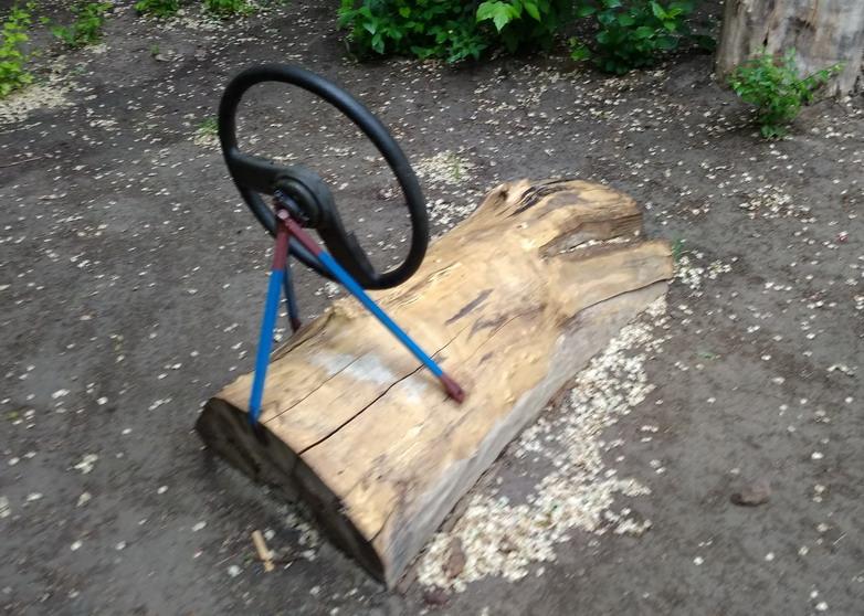 Название: Машинка на детской площадке.jpg Просмотров: 29  Размер: 168.1 Кб
