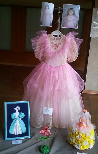 Нажмите на изображение для увеличения Название: Розовое платье.jpg Просмотров: 154 Размер:66.9 Кб ID:1094