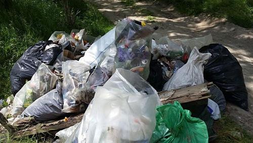 Нажмите на изображение для увеличения Название: Уборка Днестра от мусора.jpg Просмотров: 60 Размер:89.2 Кб ID:1547