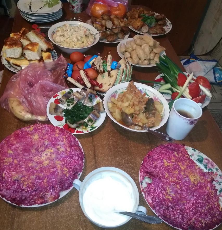 Название: Праздничный стол на День рождения.jpg Просмотров: 56  Размер: 326.5 Кб