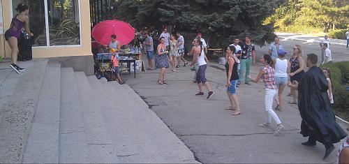 Нажмите на изображение для увеличения Название: Зумба на улице.jpg Просмотров: 53 Размер:71.7 Кб ID:1765